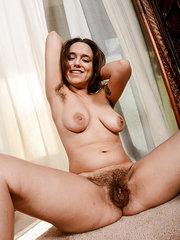 porno de mujeres lesbianas follando peludas