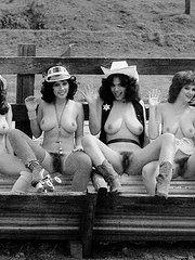 desnudas con el cono peludo