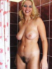 mujeres peludas en 3d