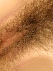 mama tiene el cono muy peludo