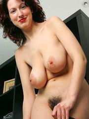 mujeres flacas peludas