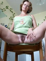 mujeres nudistas peludas