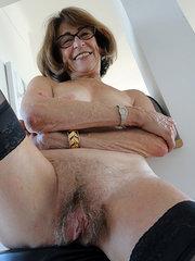 mujeres peludas nalgonas
