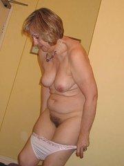 mujeres delgadas peludas